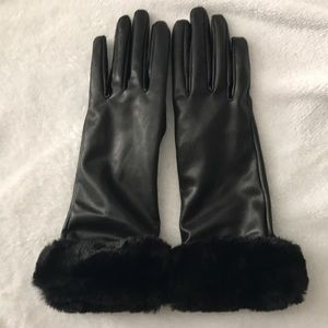 Zara FAUX LEATHER GLOVES WITH TEXTURED DETAIL